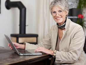 55+ and Hating Computers? Here is Some Encouragement to Brush up Your Techy Skills